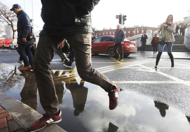 3608 Rain puddle_90533370