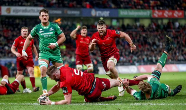 Darren O'Shea scores his sides opening try despite Cillian Gallagher /1/2018