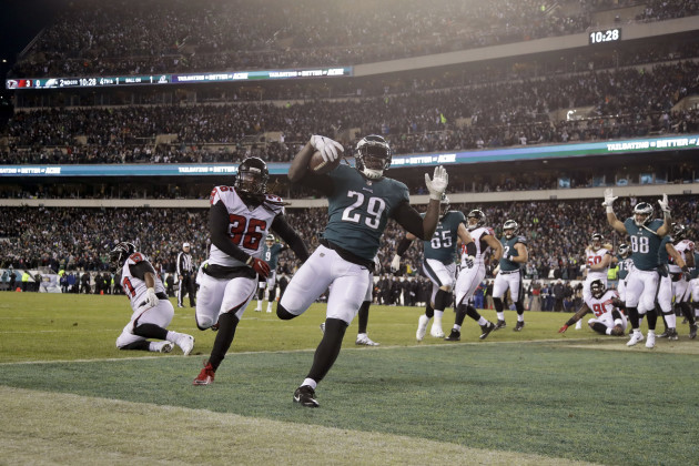 Nick Foles benefits from run-first mentality in win