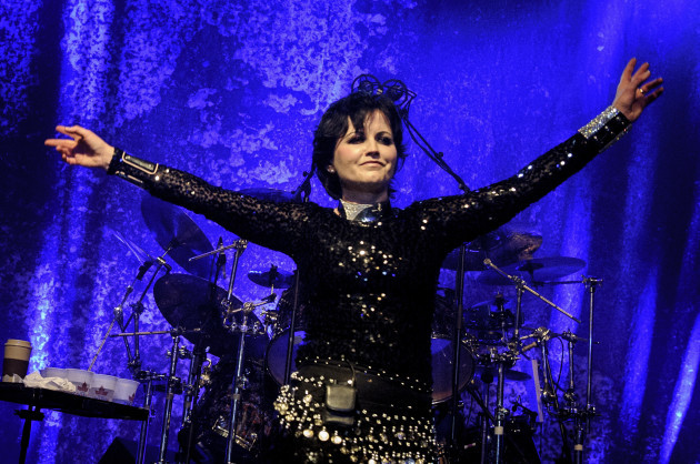 Exams on Cranberries' Dolores O'Riordan's physique