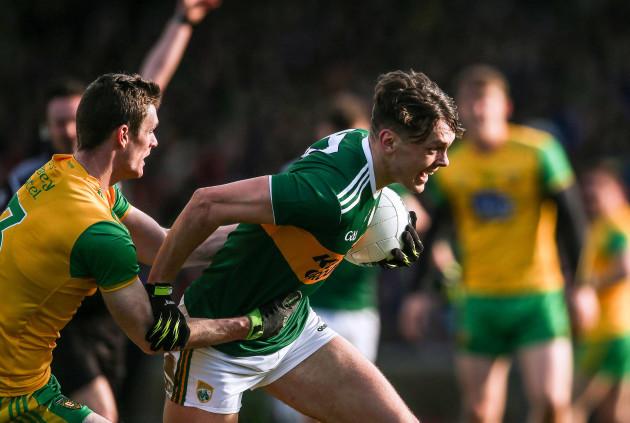 David Clifford under pressure from Caolan Ward