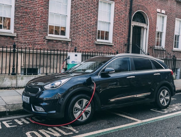 kia niro plug in hybrid launches in ireland and with a. Black Bedroom Furniture Sets. Home Design Ideas