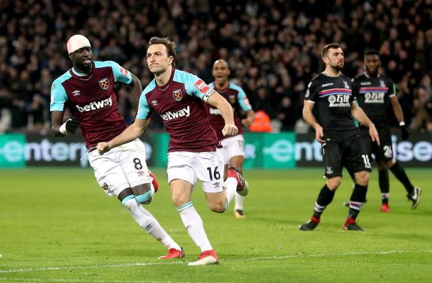 West Ham United v Crystal Palace - Premier League - London Stadium