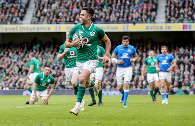 Conor Murray scores his sides second try