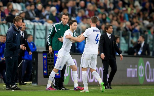 Soccer - International Friendly - Italy v England - Juventus Stadium