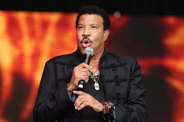 Lionel Richie UK tour
