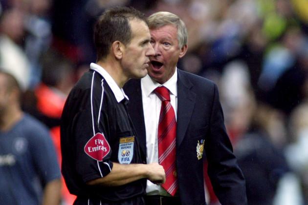 Soccer - FA Barclays Premiership - Bolton Wanderers v Manchester United