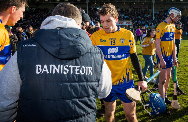 Davy Fitzgerald shakes hands with Shane O'Donnell