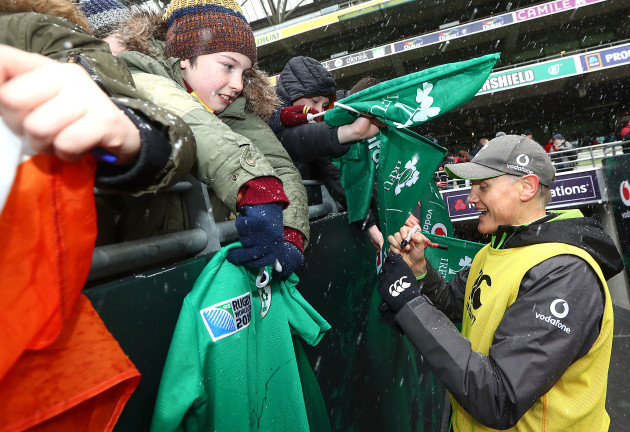 Joe Schmidt signs autographs for fans