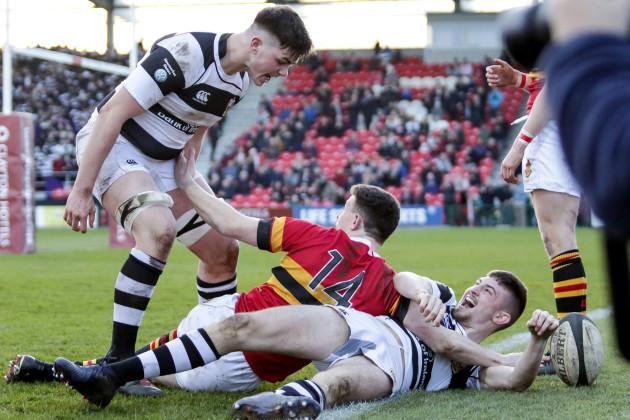 Mark McLoughlin scores a try