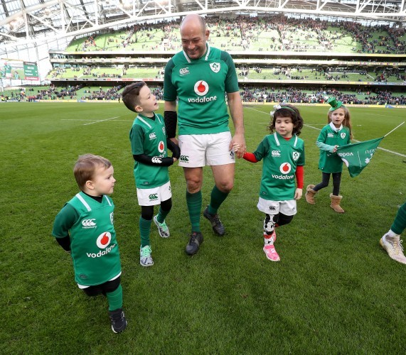 Rory Best celebrates winning with his sons Richie and Ben and daughter Penny