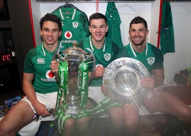 Joey Carbery, Jonathan Sexton and Rob Kearney celebrate winning