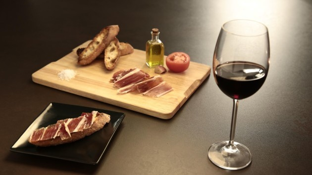 Spanish wine and tapa mix_preview