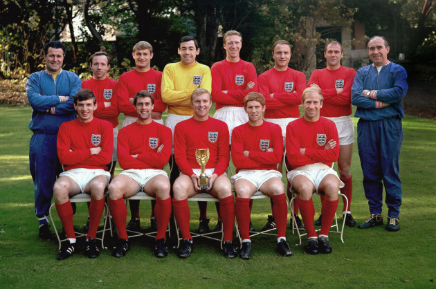 Soccer - World Cup Winners 1966 - England Team With World Cup