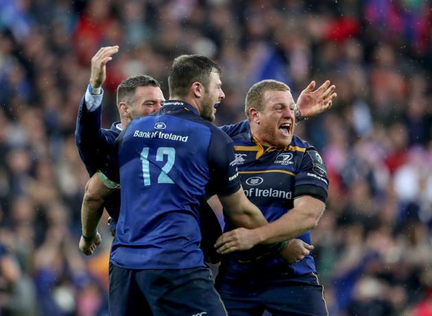 Fergus McFadden, Robbie Henshaw and Sean Cronin celebrate at the final whistle