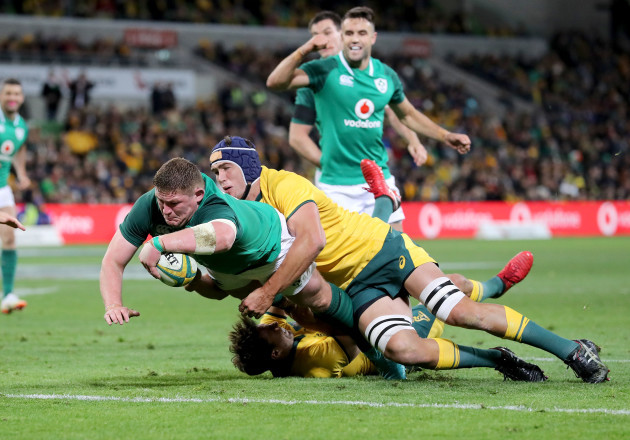 Tadhg Furlong scores his sides second try