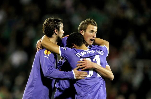 Harry Kane celebrates with Niko Kranjcar and Andros Townsend