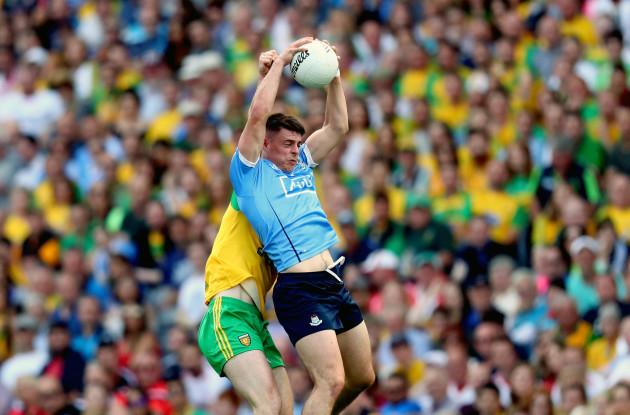 Brian Howard claims a high ball