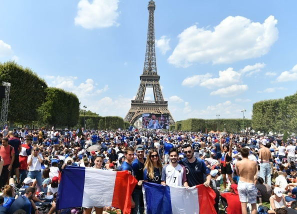French supporters celebrates their team's final match