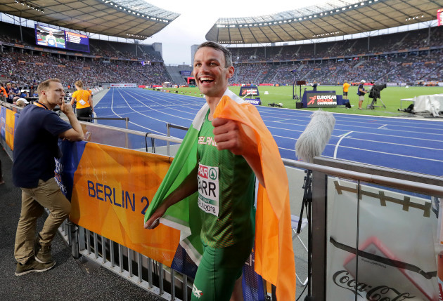 Thomas Barr celebrates finishing third