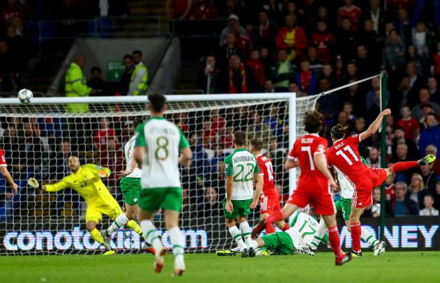 Gareth Bale scores his sides second goal