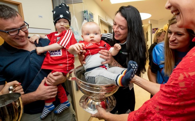 Barra (2) and 8 month old Rua Buckley meet Aisling Thompson