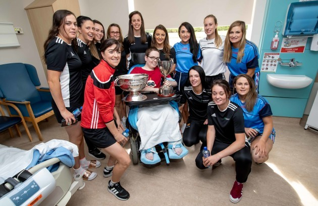 Cork Camogie players with Jack Cashman