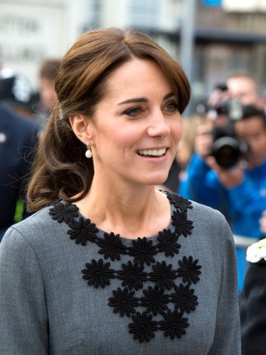 Duchess meets charity workers