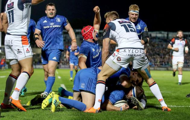 Fergus McFadden goes over for the opening try