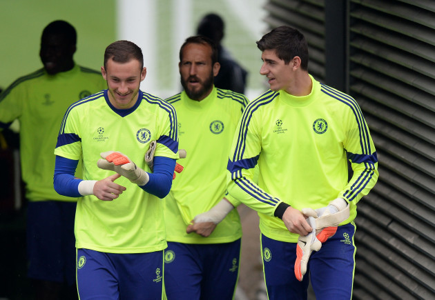 Soccer - UEFA Champions League - Group G - Sporting Lisbon v Chelsea - Chelsea Training - Cobham