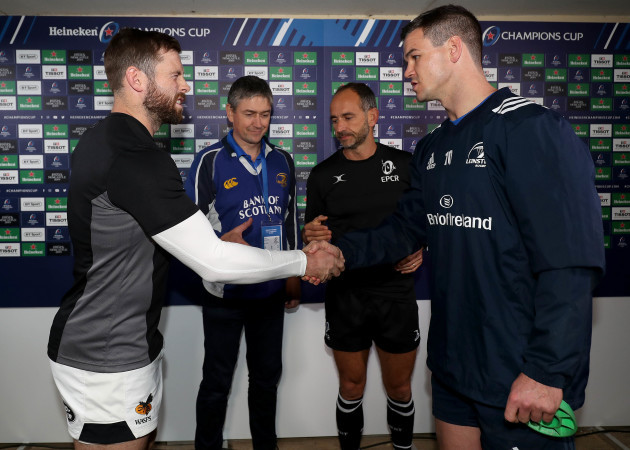 Elliot Daly, Jonathan Sexton and Romain Poite with Colin McCullagh at the coin toss 12/10/2018