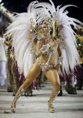 dana carnevale nude pictures