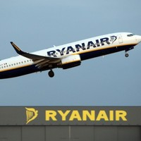 Ryanair offers to sell Aer Lingus stake to another EU airline
