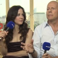 Bruce Willis destroys well-meaning reporter in radio interview