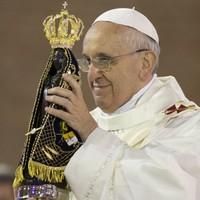 Pope: Resist 'idols' of money, power, pleasure