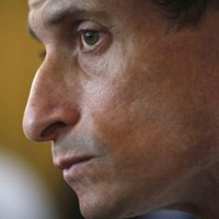 Anthony Weiner admits to more cyber affairs, falls behind in NYC mayoral race