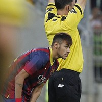 Neymar makes Barcelona debut… but it's Messi who scores