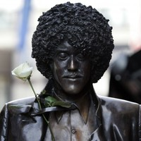 Phil Lynott statue to return to Harry Street next week