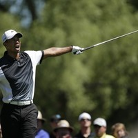 Latest: Tiger woeful, Mickelson worse as PGA pains grow