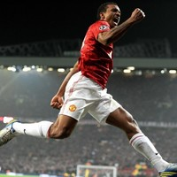 Departures Lounge: Arsenal settle for a lesser Luis as Dr House shrugs off Nani for Bale rumour