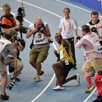 Usain Bolt powers to third world 200m title