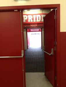 Tunnels, flags and precise drinking times: take a 22 step walk around Munster's dressing rooms