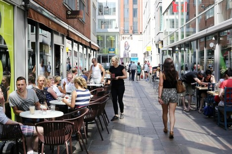 Al fresco dining in Dublin in July