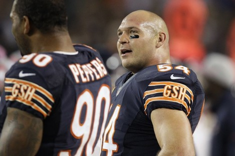 Chicago Bears (now retired) linebacker Brian Urlacher admitted in November 2012 he would lie to cover up a concussion.
