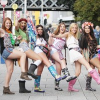 Tent, sleeping bag, glowsticks: Electric Picnic begins