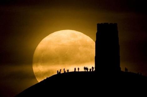 The super moon captured at Glastonbury, England, last night.