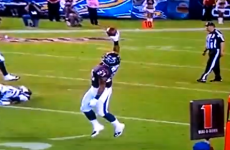 Lift-off! Amazing one-handed catch by Houston running back