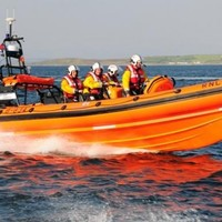 Man airlifted to hospital after boat runs aground