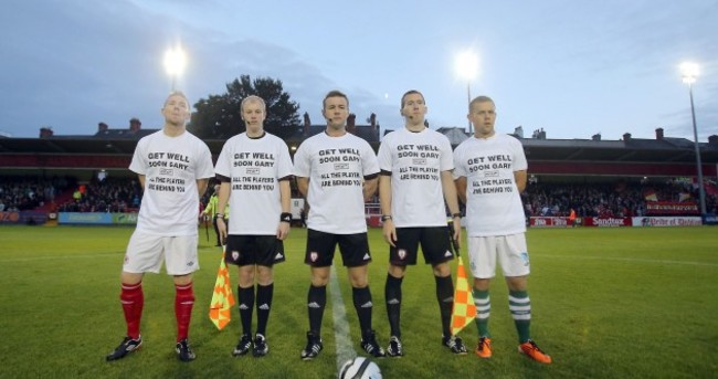 League of Ireland players and officials show their support for Gary O'Neill