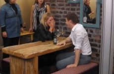 Heartwarming flashmob proposal in a Dublin bar